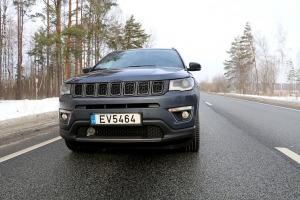 Travelnews.lv apceļo Latviju ar jauno «Jeep Compass 4xe» no oficiālā pārstāvja «Autobrava» 4