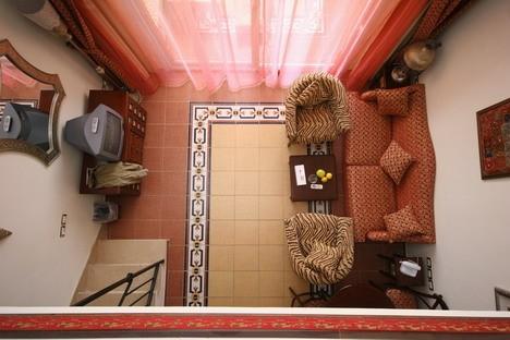 Duplex tipa numura viesu istaba. Tiem, kas izvēlējušies visdārgākās kategorijas viesnīcu, – arī elektromobiļi ar vadītāju