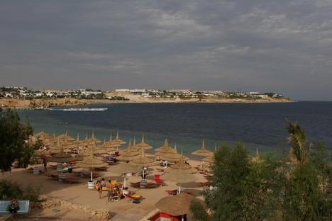 Ēģiptē lielākā kūrortviesnīca Domina Coral Bay aizņem vairāk nekā 1800000 m2 lielu teritoriju tieši Sarkanās jūras krastā ar brīnišķīgu skatu uz Tirān