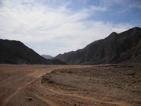 Tuksnesis starp pilsētām Dahab un Neweiba