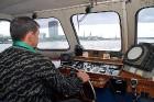 Kuģīša kapteinis ne vienmēr laižas sarunās ar viesiem 8