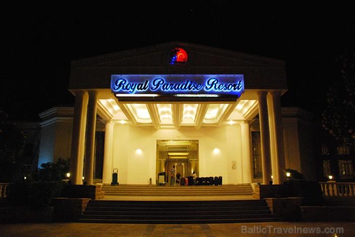 Viesnīcas gaida viesus cauru diennakti  - www.novatours.lv