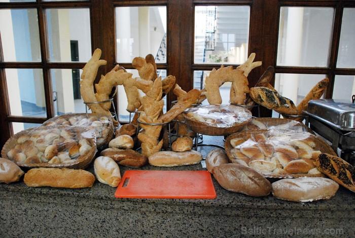 Garšīga un interesanti veidota ir Ēģiptes maize  - www.novatours.lv