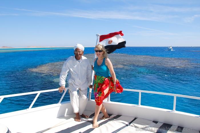 Peldam zem Ēģiptes karoga - www.novatours.lv