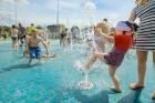Ar ziepju burbuļu salūtu Rīgā atklāj Centra sporta kvartāla rotaļu laukumu 20