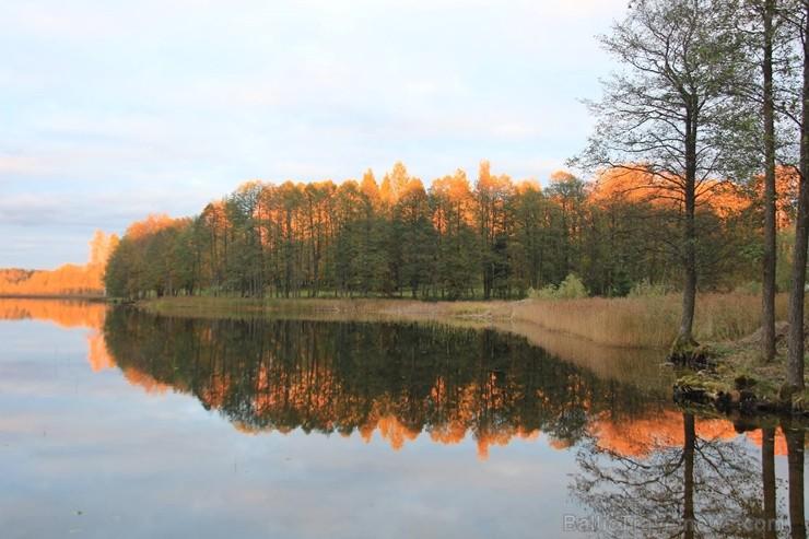 Gulbenes rudens mudina izbaudīt neatkārtojamo dabas krāšņumu