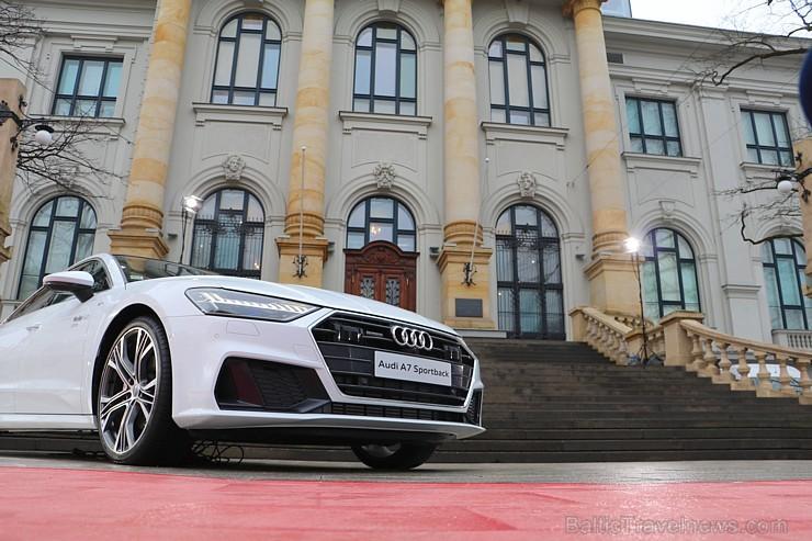 Latvijas Nacionālais mākslas muzejā jaunais «Audi A7 Sportback» prezentējas ar labāko šampanieti