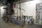 Urbānās Parīzes nekurienes vidū - mākslinieku mājā - meklējams smalks restorāniņš «The Office» 6