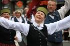 Dziesmu un deju svētku atklāšanas gājiens pulcē Rīgā visus Latvijas novadus (701-800) 50