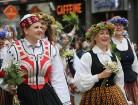 Dziesmu un deju svētku atklāšanas gājiens pulcē Rīgā visus Latvijas novadus (701-800) 72