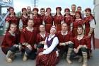 Pirms deju lieluzveduma «Māras zeme» dejotāji uzķer foto mirkļus 3