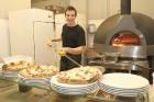 Pārdaugavā atvērusies īsta itāļu picērija «Street Pizza», kas ir vienīgā Baltijā ar Neapoles sertifikātu 15