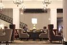 Viesnīcā «Grand Hotel Kempinski Riga»  pie pusdienu galda prezentējas uzņēmums «Moller Baltic Import» 39