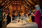 Kopā ar bārmeni Rūdolfu Milzarāju ikviens varēja izmēģināt savas prasmes kokteiļu pagatavošanā un uzzināt, kā pagatavot interesantus un baudāmus kokte 21