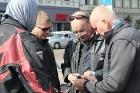 Par godu Baltijas ceļa 30. gadadienai Rīgā piestāj vēsturiski spēkrati 56