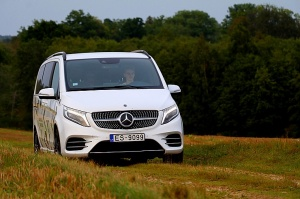 Travelnews.lv apceļo Latviju ar jauno biznesa klases mikroautobusu «Mercedes-Benz V-Klase» 48