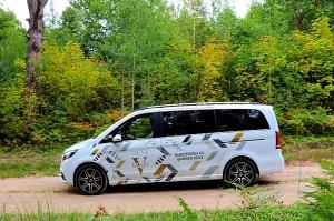 Travelnews.lv apceļo Latviju ar jauno biznesa klases mikroautobusu «Mercedes-Benz V-Klase» 53