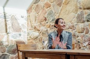 Rūmenes muižā, atzīmējot atjaunošanas 10 gadu jubileju, atklāj jaunu kultūras un svinību telpu KŪTS 14