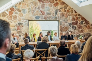 Rūmenes muižā, atzīmējot atjaunošanas 10 gadu jubileju, atklāj jaunu kultūras un svinību telpu KŪTS 15