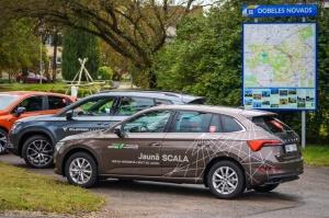 400 kilometru garajā testa maršrutā pa Zemgali tika izbrauktas gludas šosejas, rakstaini asfalta ielāpi un strauji līkumi 15