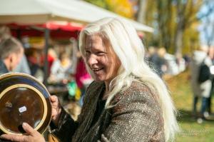 Kuldīgā ar bagātīgu tirdziņu, gardiem ēdieniem, dzērieniem un izklaidēm ikvienu apmeklētāju sagaidīja nozīmīgākais rudens pasākums – Hercoga Jēkaba ga 22