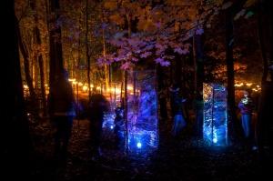 Vienkoču parkā norisinājās Uguns Nakts, kura mērķis ir vienu īso rudens dienu padarīt ilgāk gaišu, dot iespēju uzlādēt sevi ar sveču gaismu un siltumu 32
