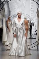 31. Rīgas modes nedēļas programma ietvērai labāko Latvijas modes mākslinieku un ārvalstu dizaineru 2020. gada pavasara-vasaras sezonas kolekciju skate 2
