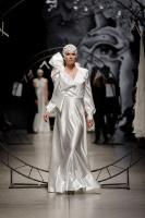 31. Rīgas modes nedēļas programma ietvērai labāko Latvijas modes mākslinieku un ārvalstu dizaineru 2020. gada pavasara-vasaras sezonas kolekciju skate 6