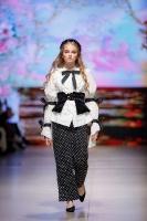 31. Rīgas modes nedēļas programma ietvērai labāko Latvijas modes mākslinieku un ārvalstu dizaineru 2020. gada pavasara-vasaras sezonas kolekciju skate 17