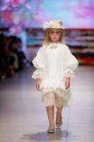 31. Rīgas modes nedēļas programma ietvērai labāko Latvijas modes mākslinieku un ārvalstu dizaineru 2020. gada pavasara-vasaras sezonas kolekciju skate 19