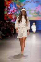 31. Rīgas modes nedēļas programma ietvērai labāko Latvijas modes mākslinieku un ārvalstu dizaineru 2020. gada pavasara-vasaras sezonas kolekciju skate 20
