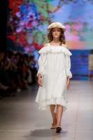31. Rīgas modes nedēļas programma ietvērai labāko Latvijas modes mākslinieku un ārvalstu dizaineru 2020. gada pavasara-vasaras sezonas kolekciju skate 21