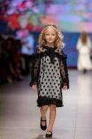 31. Rīgas modes nedēļas programma ietvērai labāko Latvijas modes mākslinieku un ārvalstu dizaineru 2020. gada pavasara-vasaras sezonas kolekciju skate 24