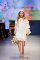31. Rīgas modes nedēļas programma ietvērai labāko Latvijas modes mākslinieku un ārvalstu dizaineru 2020. gada pavasara-vasaras sezonas kolekciju skate 25