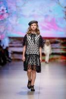 31. Rīgas modes nedēļas programma ietvērai labāko Latvijas modes mākslinieku un ārvalstu dizaineru 2020. gada pavasara-vasaras sezonas kolekciju skate 27