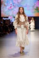 31. Rīgas modes nedēļas programma ietvērai labāko Latvijas modes mākslinieku un ārvalstu dizaineru 2020. gada pavasara-vasaras sezonas kolekciju skate 29