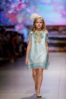 31. Rīgas modes nedēļas programma ietvērai labāko Latvijas modes mākslinieku un ārvalstu dizaineru 2020. gada pavasara-vasaras sezonas kolekciju skate 34