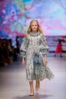 31. Rīgas modes nedēļas programma ietvērai labāko Latvijas modes mākslinieku un ārvalstu dizaineru 2020. gada pavasara-vasaras sezonas kolekciju skate 40