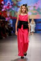 31. Rīgas modes nedēļas programma ietvērai labāko Latvijas modes mākslinieku un ārvalstu dizaineru 2020. gada pavasara-vasaras sezonas kolekciju skate 41