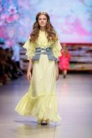 31. Rīgas modes nedēļas programma ietvērai labāko Latvijas modes mākslinieku un ārvalstu dizaineru 2020. gada pavasara-vasaras sezonas kolekciju skate 44