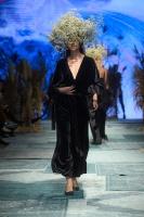 31. Rīgas modes nedēļas programma ietvērai labāko Latvijas modes mākslinieku un ārvalstu dizaineru 2020. gada pavasara-vasaras sezonas kolekciju skate 61
