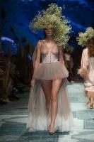 31. Rīgas modes nedēļas programma ietvērai labāko Latvijas modes mākslinieku un ārvalstu dizaineru 2020. gada pavasara-vasaras sezonas kolekciju skate 66