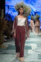 31. Rīgas modes nedēļas programma ietvērai labāko Latvijas modes mākslinieku un ārvalstu dizaineru 2020. gada pavasara-vasaras sezonas kolekciju skate 67