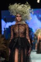 31. Rīgas modes nedēļas programma ietvērai labāko Latvijas modes mākslinieku un ārvalstu dizaineru 2020. gada pavasara-vasaras sezonas kolekciju skate 75