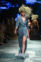 31. Rīgas modes nedēļas programma ietvērai labāko Latvijas modes mākslinieku un ārvalstu dizaineru 2020. gada pavasara-vasaras sezonas kolekciju skate 76
