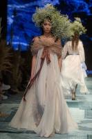 31. Rīgas modes nedēļas programma ietvērai labāko Latvijas modes mākslinieku un ārvalstu dizaineru 2020. gada pavasara-vasaras sezonas kolekciju skate 81