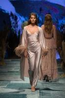 31. Rīgas modes nedēļas programma ietvērai labāko Latvijas modes mākslinieku un ārvalstu dizaineru 2020. gada pavasara-vasaras sezonas kolekciju skate 85