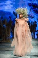 31. Rīgas modes nedēļas programma ietvērai labāko Latvijas modes mākslinieku un ārvalstu dizaineru 2020. gada pavasara-vasaras sezonas kolekciju skate 88