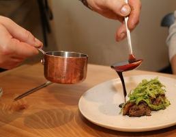 Travelnews.lv novērtē un izbauda «Valtera restorāns» jauno konceptu pēc pārbūves 44