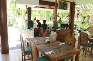 Travelnews.lv iepazīst vienkāršas, bet mājīgas un viesmīlīgas Bali salas viesnīcas. «Turkish Airlines» un «365 Brīvdienas» 5